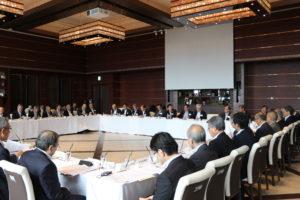 第6回西日本経済同友会代表者会議:子どもの貧困、大阪・関西万博をテーマに議論